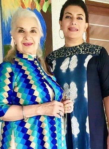 Divya Seth With Her Mother