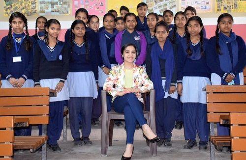Lavleen Kaur With School Children