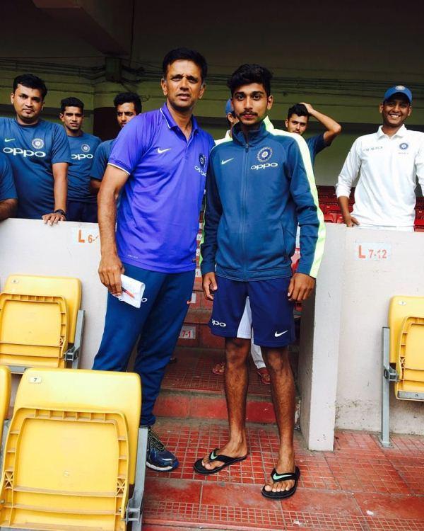 Darshan Nalkande with Rahul Dravid during the India U-19 test series