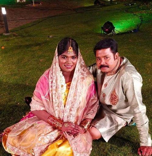 Aranthangi Nisha With Her Husband