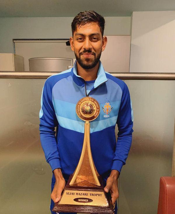 Jagadeesha Suchith with the 2019 Vijay Hazare Trophy