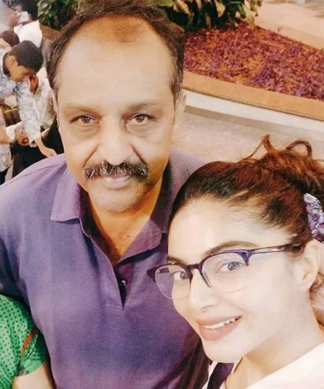 Sanam Shetty with her father