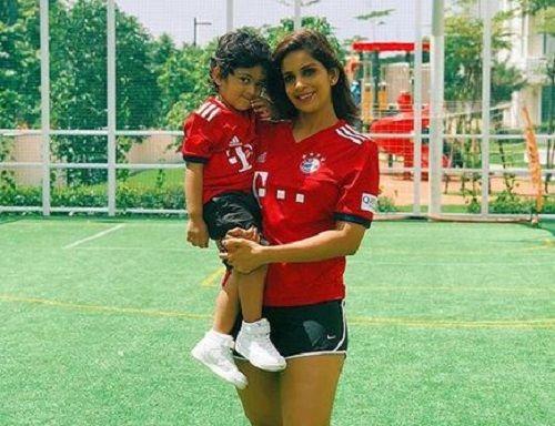 Samyuktha Karthik With Her Son