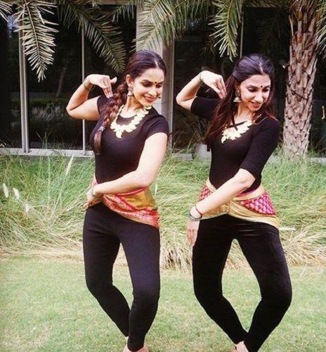 Samyuktha Karthik Performing With Her Friend