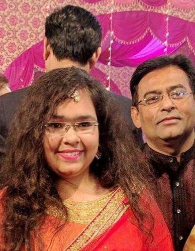 Shams Tahir Khan With His Daughter