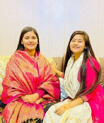 Devi Nidhi Saraswat With Her Sister
