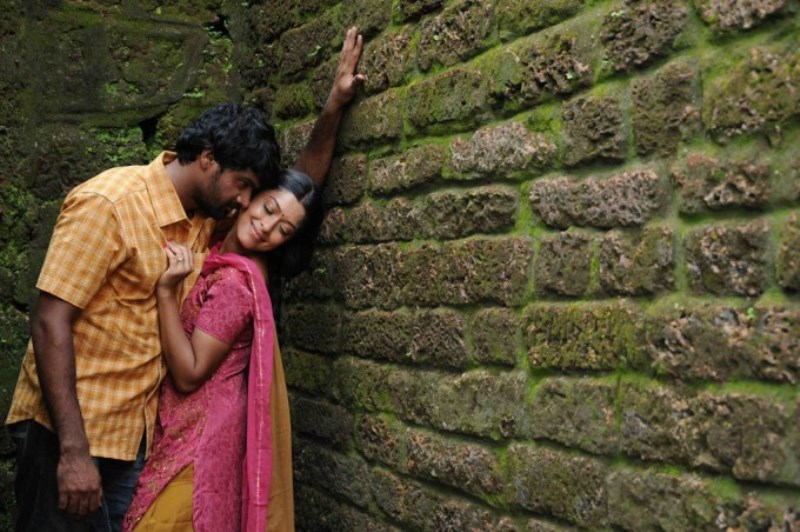 Payal Ghosh in Therodum Veedhiyile (2014)