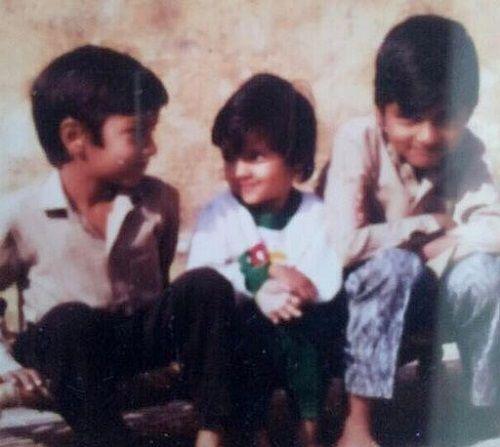 Priyanka Raina's Childhood Picture With Her Brothers