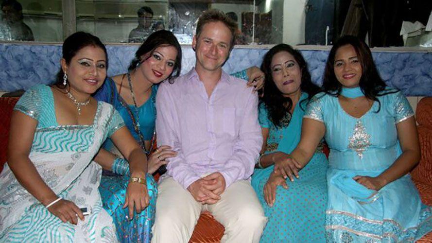 Laxmi Narayan Tripathi in Le sexe autour du monde (2011)