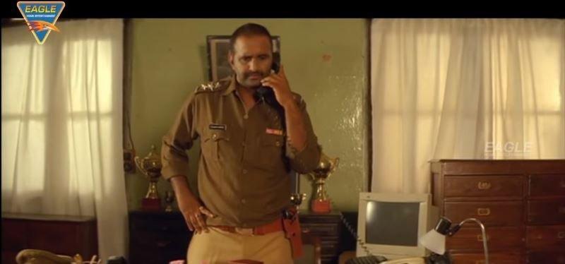 Pramod Pathak in Phas Gaye Re Obama (2010)