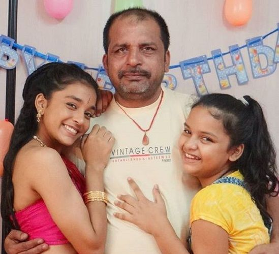 Sumbul Touqeer Khan With Her Father and Sister