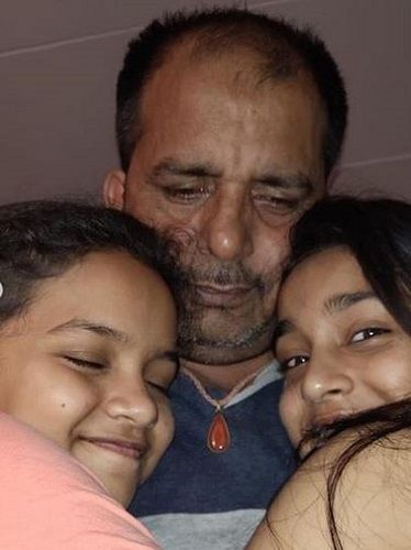 Sumbul Touqeer Khan With Her Sister and Father