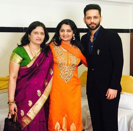 Rahul Vaidya With His Mother and Sister