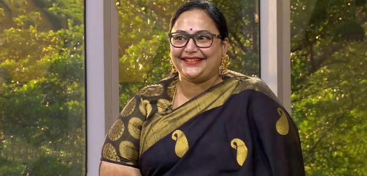 Anju Prabhakar Wiki-Bio-Age-Husband-Salary-Photos-Video-News-Ig-Fb-Tw