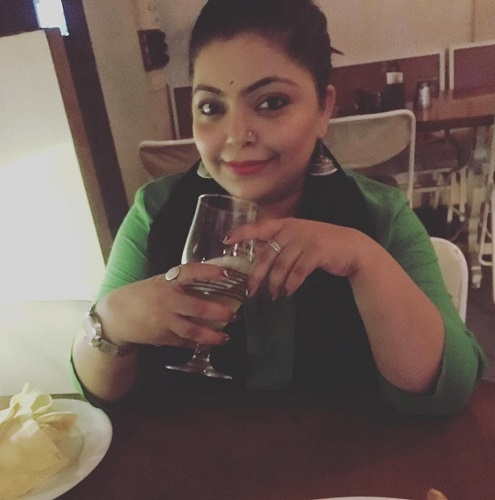 Divya Bhatnagar in a Restaurant