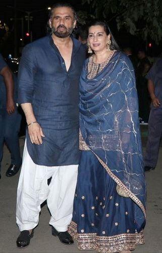 Mana Shetty with Suniel Shetty