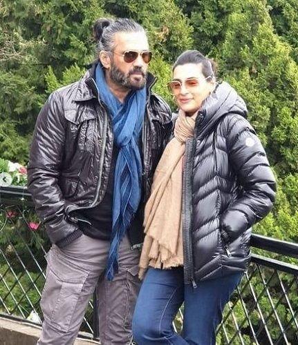 Mana Shetty and Suniel Shetty