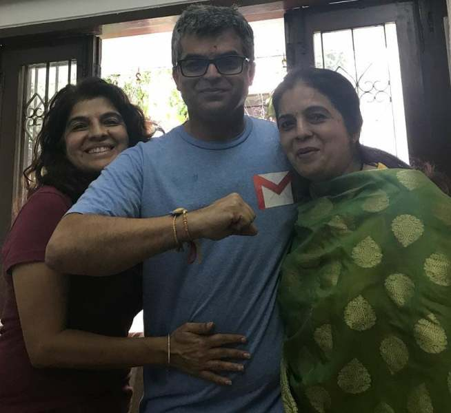 Atul with his sisters (Anjali on the left and Aruna on the right)