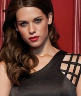 Lyndsy Fonseca Age, Biography, Family, Wiki, Education, Career, Movies, TV Shows, Husband, Awards & Net Worth - Celebsupdate