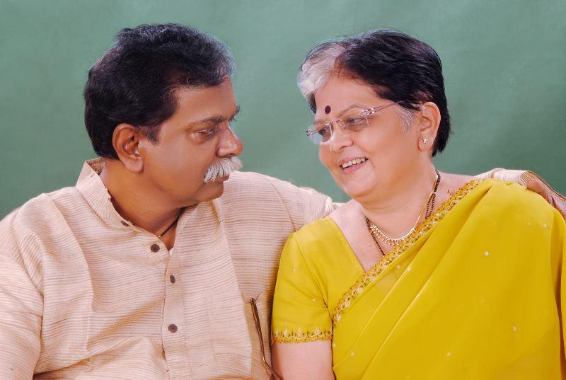 Sadashiv Amrapurkar with his wife