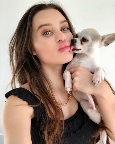 Lana Rhoades with her pet dog