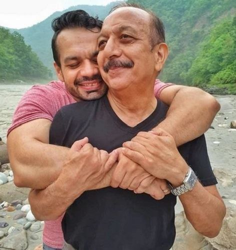 Gaurav Taneja with his Father
