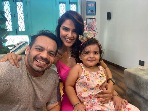 Gaurav Taneja with his Wife and Daughter