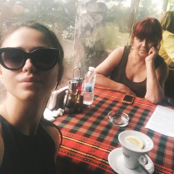 Maria Bakalova with her mother