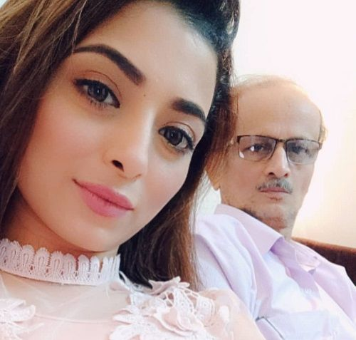 Afreen Alvi with her Father