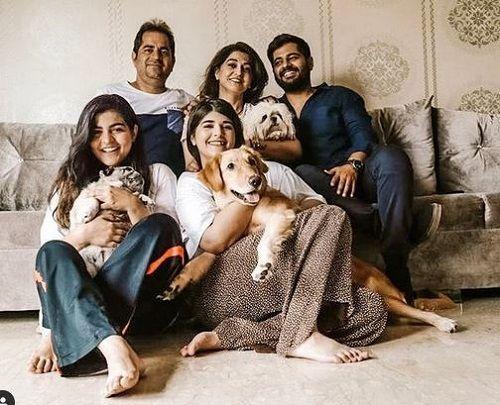 Kritika Khurana with her Family