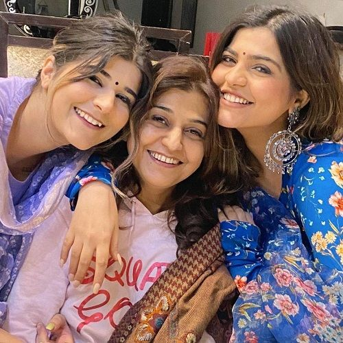 Kritika Khurana with her Mother and Sister