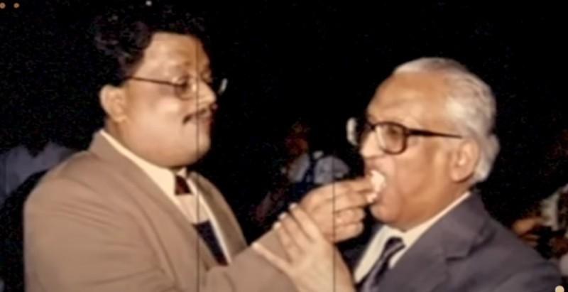 Rakesh Jhunjhunwala with his father