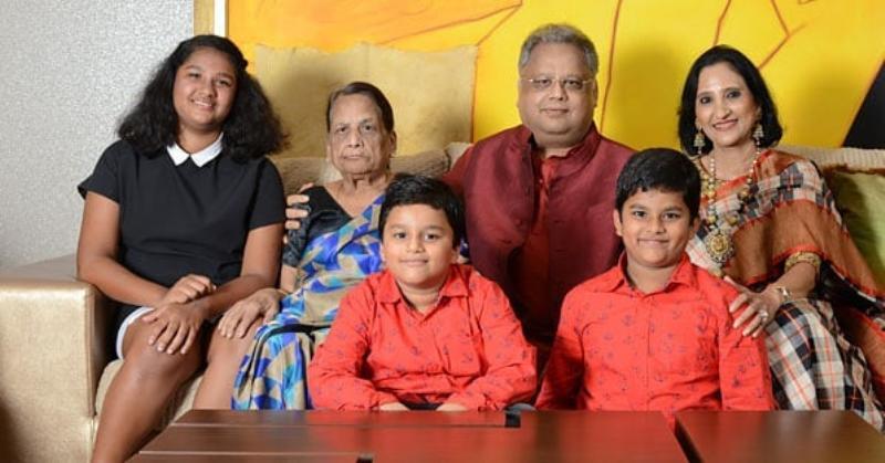 Rakesh Jhunjhunwala with his family