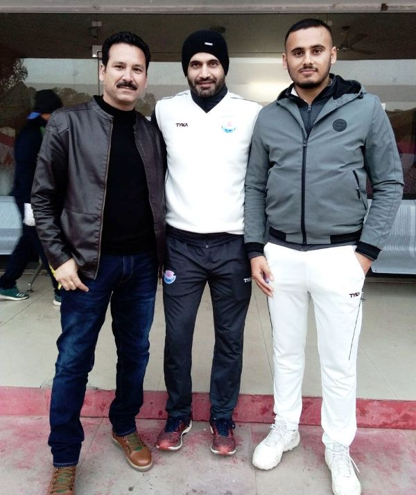 Abdul Samad with his father and former Indian cricketer Irfan Pathan