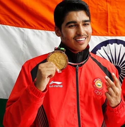 Saurabh Chaudhary with his gold medal
