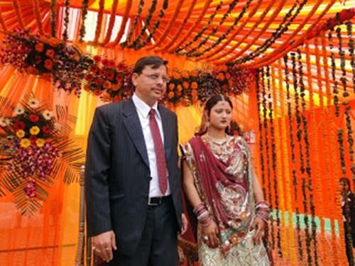 Pushkar Singh Dhami with his wife, Geeta Dhami