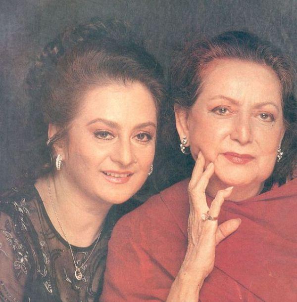 Saira Banu with her mother