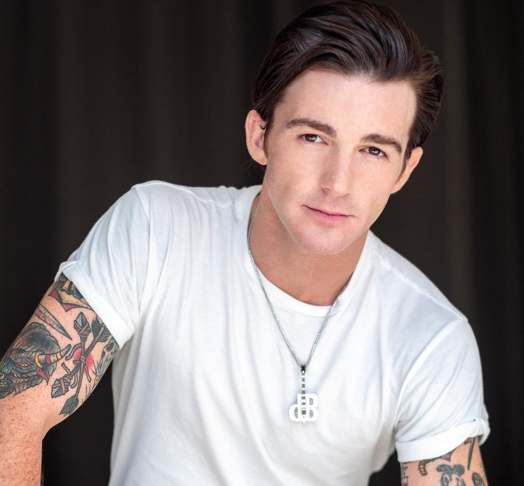 Drake Bell (Actor) Wiki, Biography, Age, Girlfriends, Family, Facts and More - Wikifamouspeople
