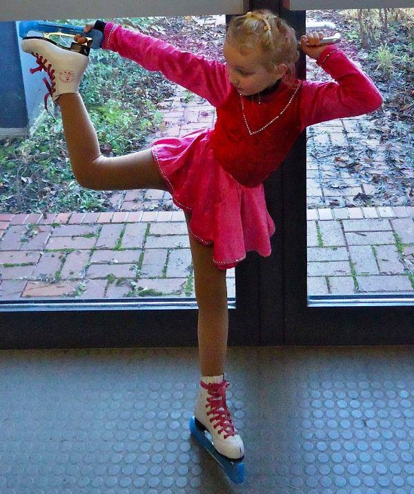Childhood picture of Helena Zengel learning figure skating