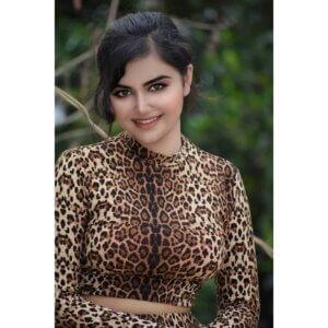 Geethika Jeshwi in hot tshirt