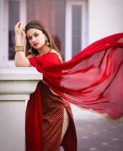 Avneet Kaur hot and latest photo
