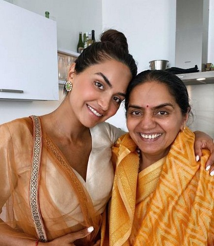 Diipa Khosla with her mother