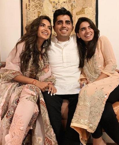 Diipa Khosla and her siblings