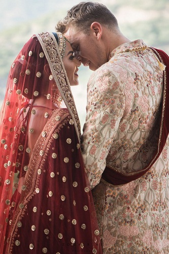 Diipa Khosla's wedding outfit