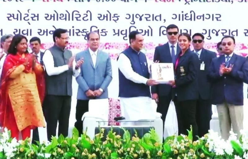 Ankita Raina while receiving the honour from the Cheif Minister of Gujarat in 2019