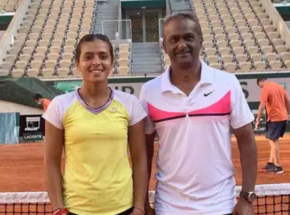 Ankita Raina with her coach Jayant Kadhe