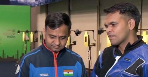 Deepak Kumar with his coach Manoj Kumar
