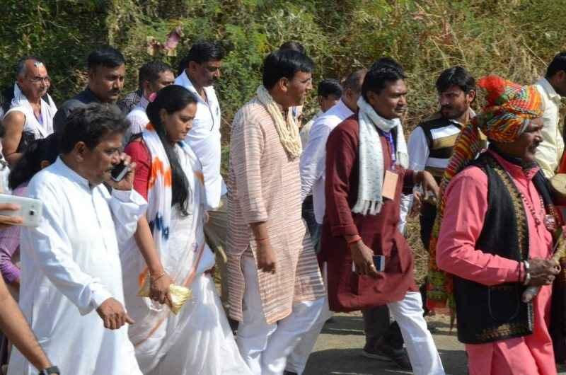 Mansukh Mandaviya during the padayatra organised on the occasion of 150th Anniversary of Mahatma Gandhi's birth