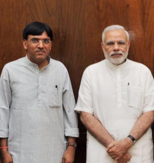 Mansukh Mandaviya with Narendra Modi