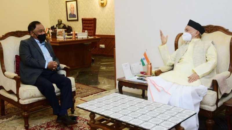 Narayan Rane while meeting Maharashtra governer and demanding President's rule in the state amid corona pandemic